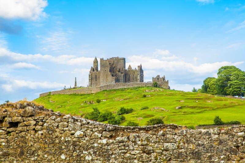 Rots van Cashel-kasteel, Ierland royalty-vrije stock foto's