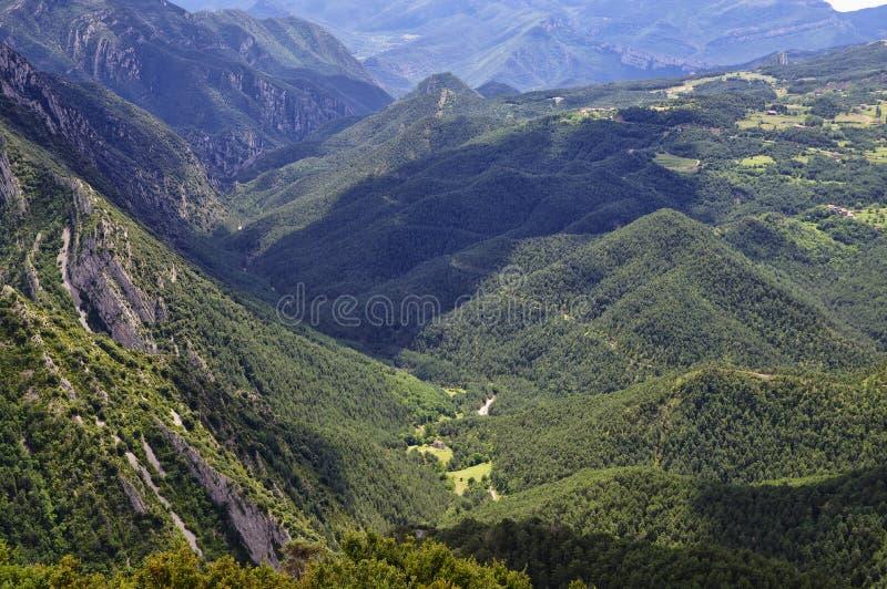 Rotsachtig en bewolkt landschap van de Gresolet-berg, Spanje royalty-vrije stock fotografie