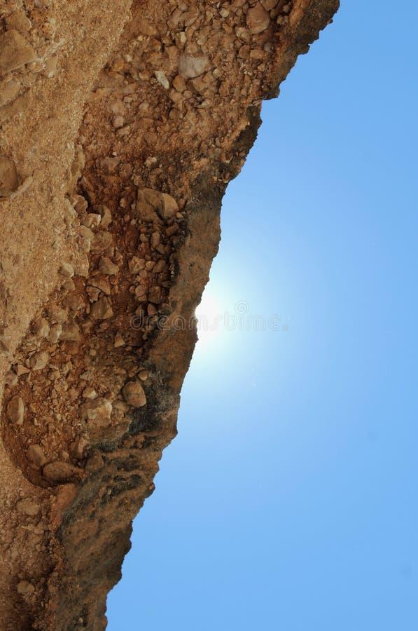 Rotsachtig/hemel stock afbeelding