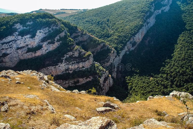 Rotsachtige bergen in Nagorno Karabakh, Azerbeidzjan stock foto