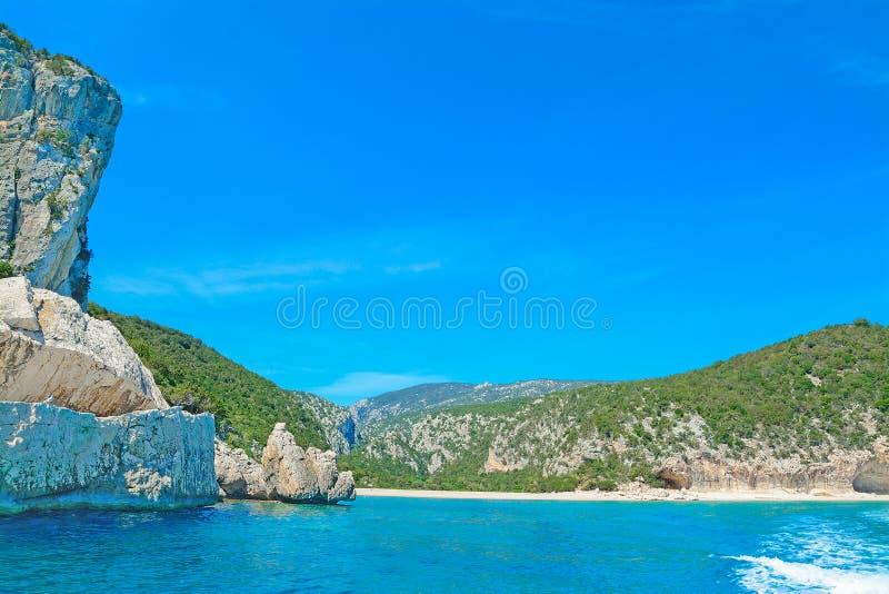 Download Rotsachtige Kust In Orosei-Golf Stock Foto - Afbeelding bestaande uit zeegebied, rotsen: 54086480