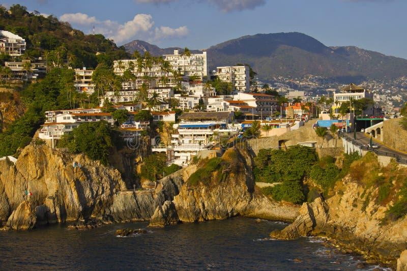 Rotsachtige kust van Acapulco royalty-vrije stock foto's