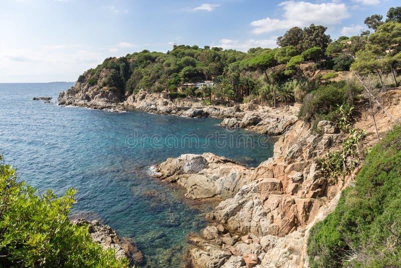 Rotsachtige kust van de Middellandse Zee Lloret DE Mar, Costa Brava, Spanje royalty-vrije stock fotografie
