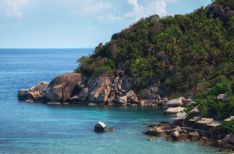 Rotsachtige kustlijn op Koh Tao Island stock fotografie