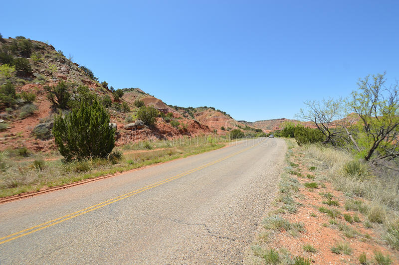 Rotsachtige weg stock afbeelding
