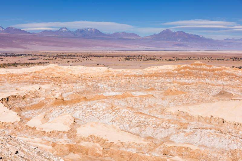 Rotsen en bergen in de Atacama-woestijn stock fotografie