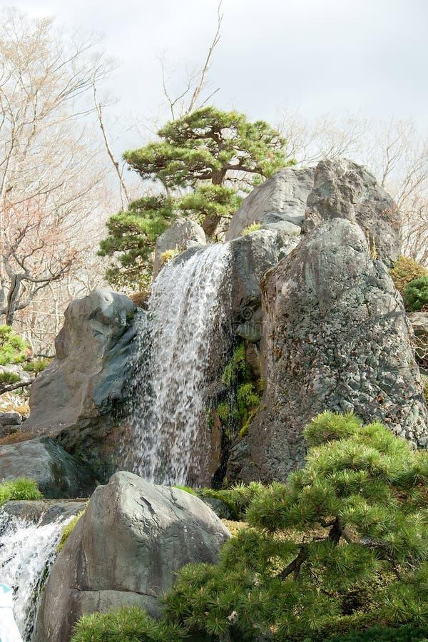 Rotsen en watervallen. royalty-vrije stock foto's