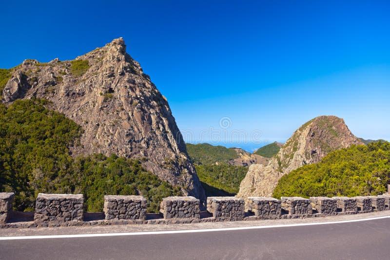 Rotsen in het eiland van La Gomera - Kanarie stock afbeeldingen
