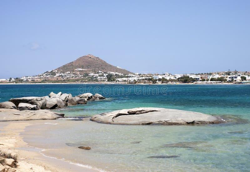Rotsen op de kust in het eiland van Agia Marina Naxos stock foto