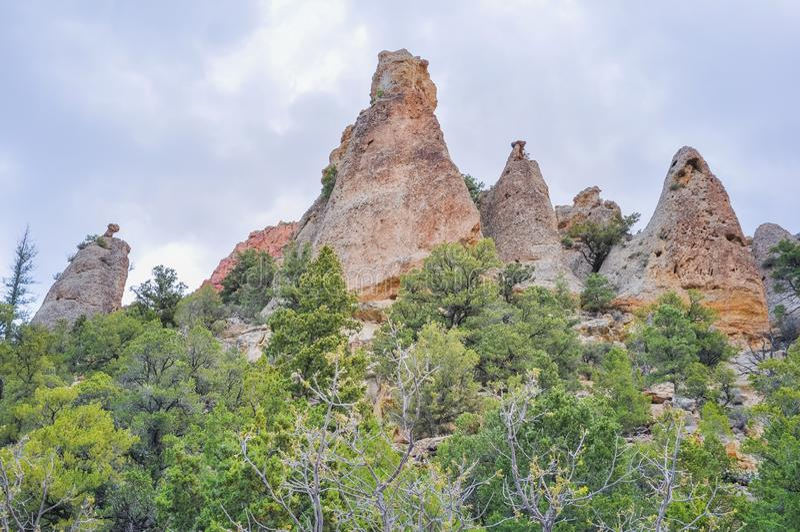 Rotsklippen in Dixie National Forest royalty-vrije stock fotografie