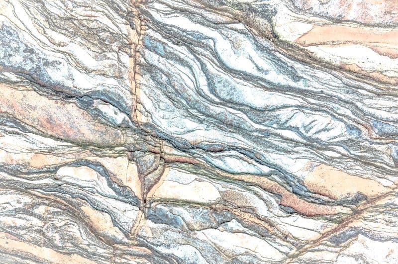 Rotslagen - kleurrijke vormingen van rotsen die meer dan honderden jaren worden gestapeld Interessante achtergrond met fascineren stock afbeelding