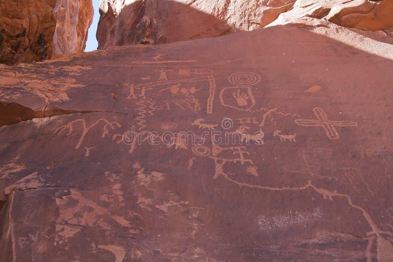 Rotstekeningen in Vallei van Brand, Nevada stock foto's