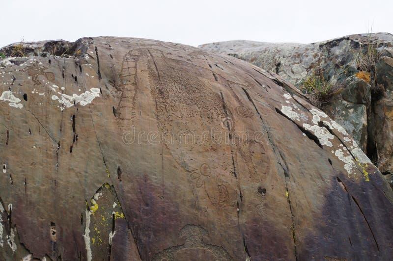 Rotstekeningen van fantastisch katachtig roofdier in kalbak-Tash, Rusland royalty-vrije stock foto's