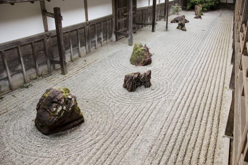 Rotstuin in Kongobuji tempel, Japan stock fotografie