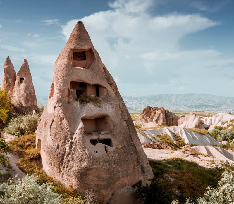 Rotsvormingen in Duifvallei van Cappadocia stock fotografie