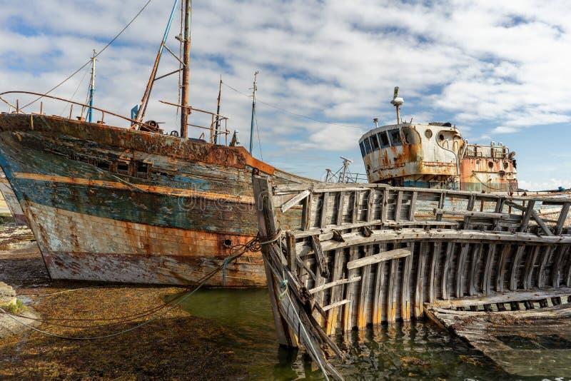 Rottende schepen met schilverf en rotte structuren op de Begraafplaatsboot royalty-vrije stock foto