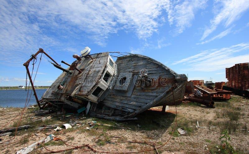 Rottende Vissersboot stock afbeeldingen
