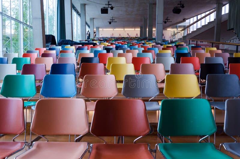 Rotterdam, die Niederlande - 9. Mai 2015: Auditorium von Kunsthal-Museum lizenzfreies stockfoto