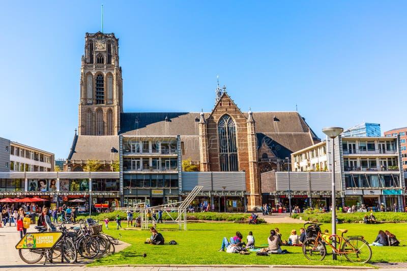 Rotterdam holandie - Maj, 2018: St Lawrance Kościelny Sint-Laurenskerk średniowieczny kośćiół protestancki w miasteczku Grote obrazy royalty free