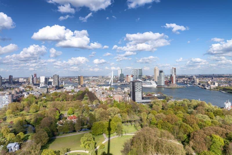 ROTTERDAM holandie - MARZEC 2015: Widok z lotu ptaka miasta bui fotografia stock