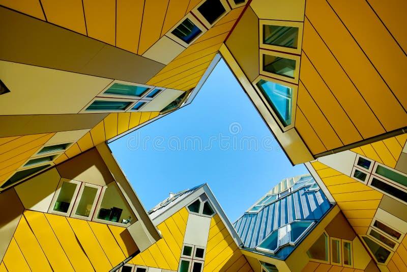 Rotterdam, Nederland - mag, 2018: Kubeer huizen in Rotterdam, Nederland Beroemd toeristenoriëntatiepunt in Zuid-Holland royalty-vrije stock afbeeldingen