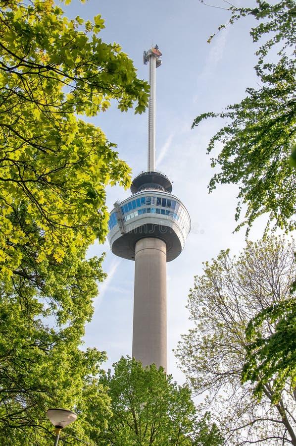 ROTTERDAM, NEDERLAND, 10 MEI: De toren van de Euromastobservatie voor 1960 genomen Floriade, op 10 MEI 2015 in Rotterd speciaal w royalty-vrije stock afbeeldingen