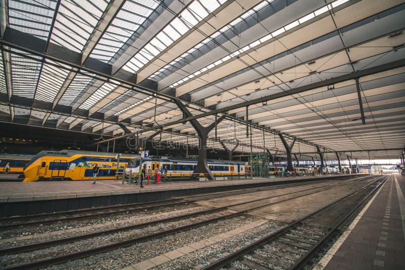 Rotterdam, Países Baixos - cerca de 2018: Estação de Rotterdam Centraal imagens de stock