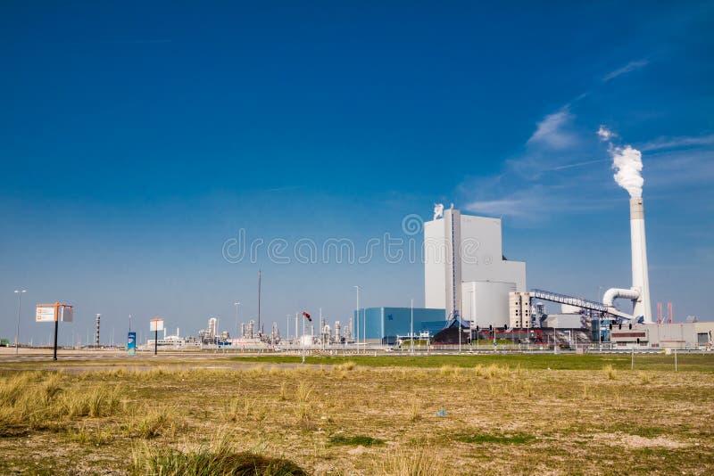 Rotterdam, Paesi Bassi - 20 aprile 2018: La centrale elettrica del carbone di Uniper fotografie stock