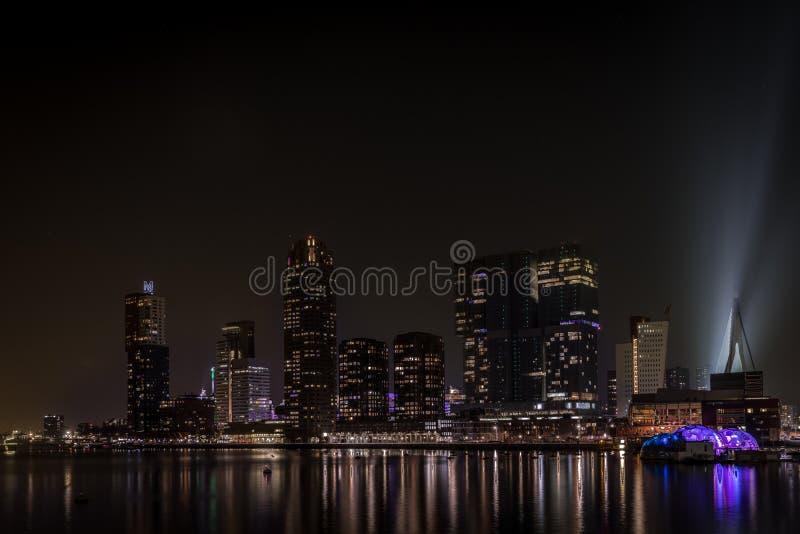 Rotterdam Rijnhaven na noite imagens de stock royalty free