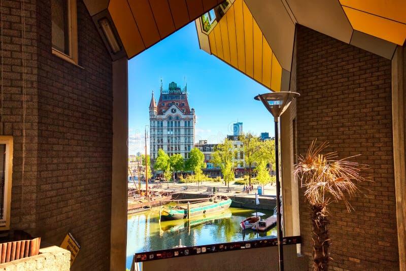 Rotterdam, Südholland, Niederlande - Mai 2018: Oude Haven Hafen, alte Schiffswerft, Schiffe, Openlucht Binnenvaart Museum lizenzfreies stockbild