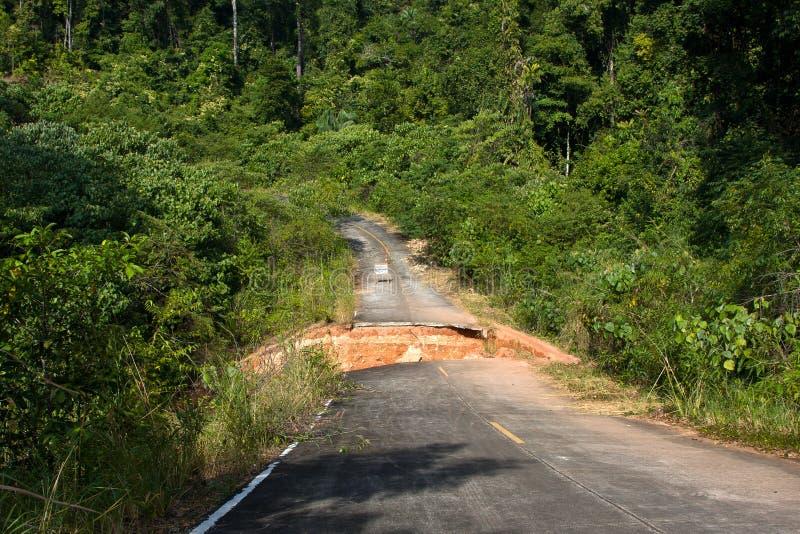 Rottura della strada asfaltata immagine stock libera da diritti