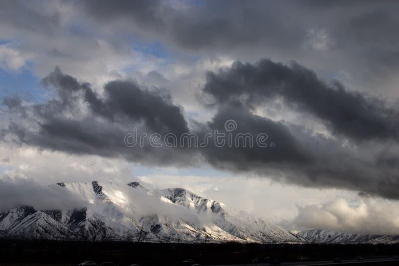Rottura della tempesta sopra il picco spagnolo della forcella fotografia stock libera da diritti