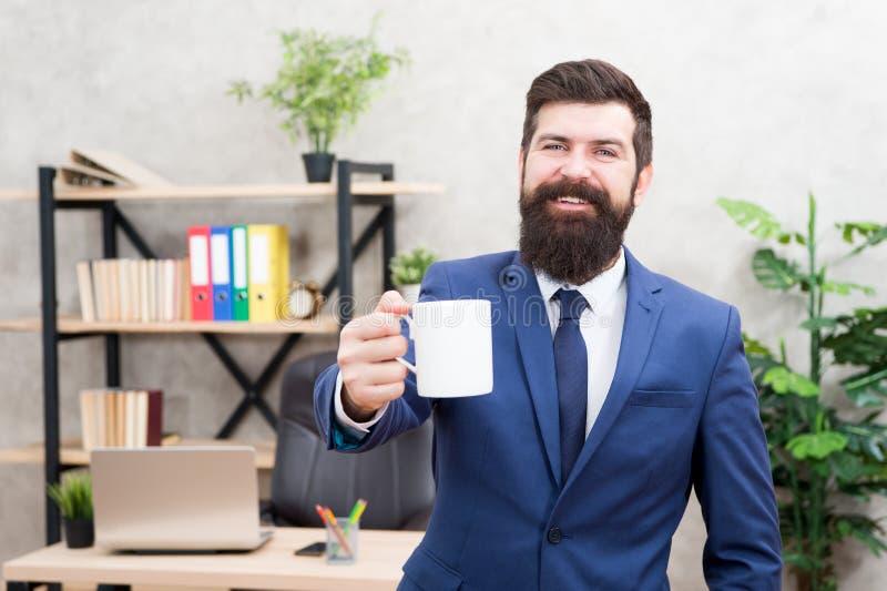 Rottura di rilassamento bevente del caffè Capo che gode della bevanda di energia La riuscita gente beve il caffè Caffeina dipende immagine stock libera da diritti
