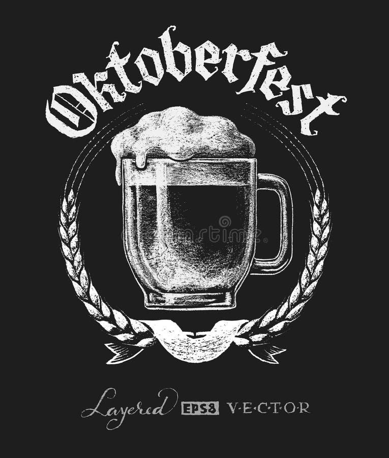 Rotulação de Oktoberfest com vidro de cerveja ilustração royalty free