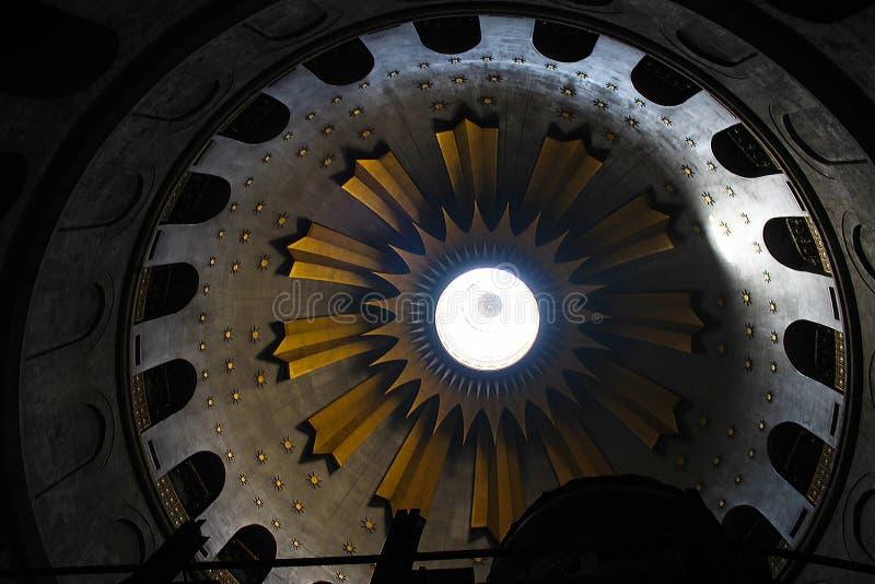 Rotunda i kyrkan av den heliga griften, Kristus gravvalv, i den gamla staden av Jerusalem, Israel royaltyfri foto
