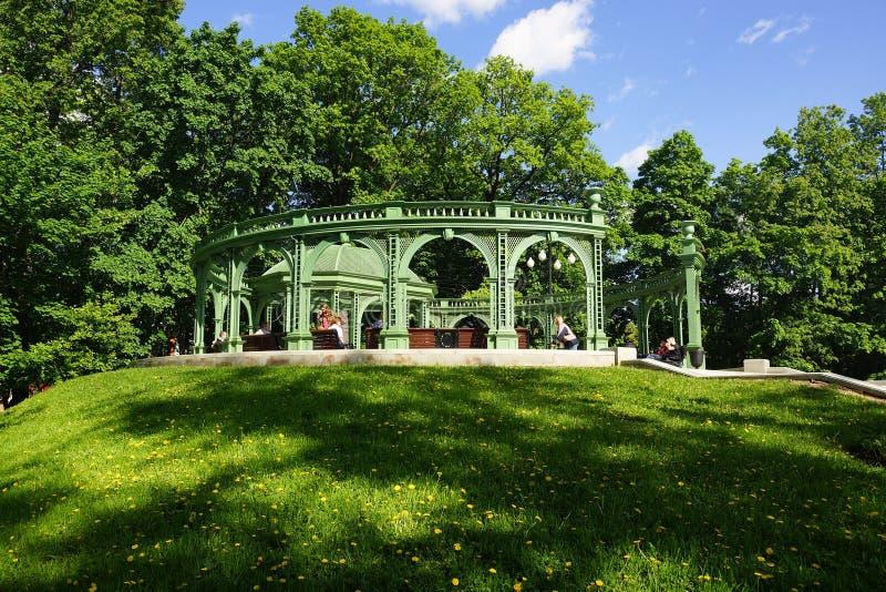 Rotunda no parque de Ostankino em Moscou foto de stock
