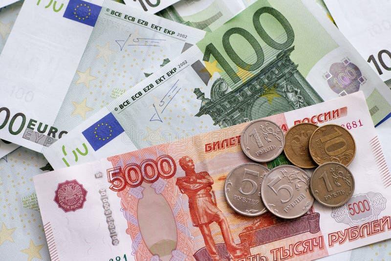 Roubles et euros photo libre de droits