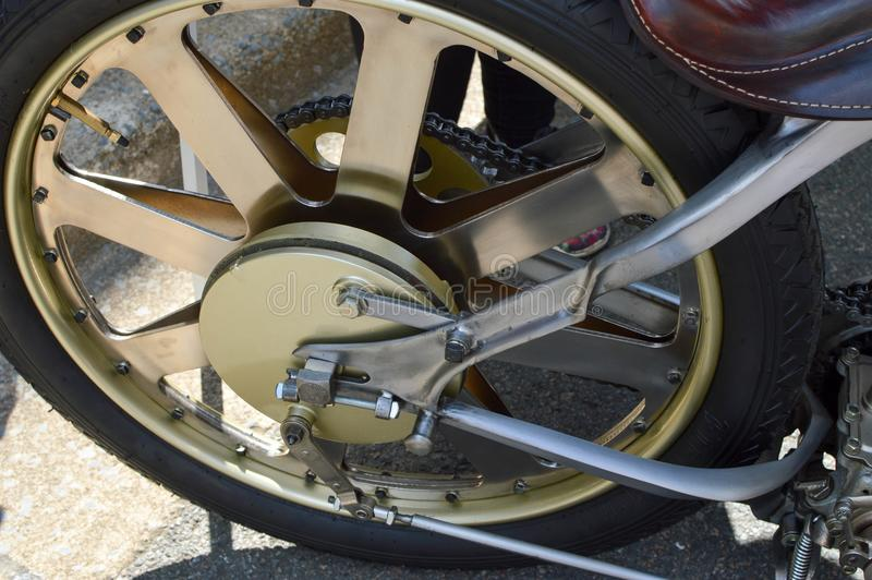 Roue arrière de moto antique image stock