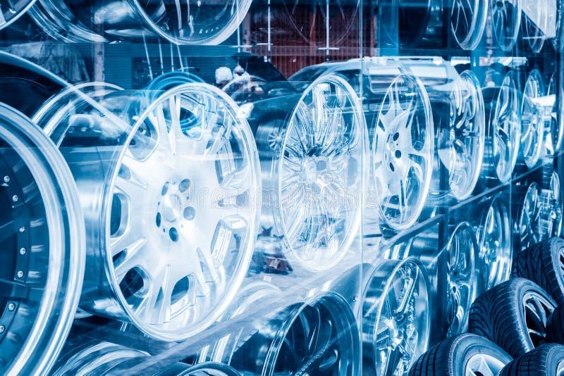 Roue d'alliage de voiture images libres de droits