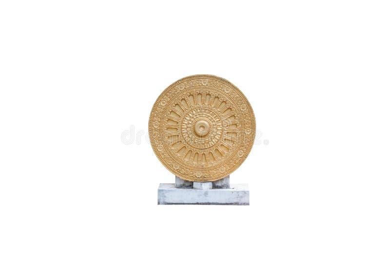 Roue d'or de Dharmachakra/de la vie, symbole de Dhamma dans le bouddhisme, d'isolement photographie stock libre de droits