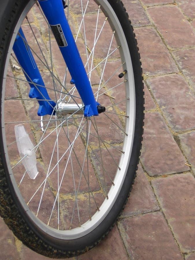 Roue d'une bicyclette images libres de droits