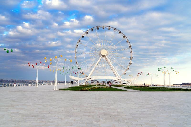 Download Roue De Ferris De Bakou, Oeil De Baky Image stock - Image du stationnement, haut: 87708257