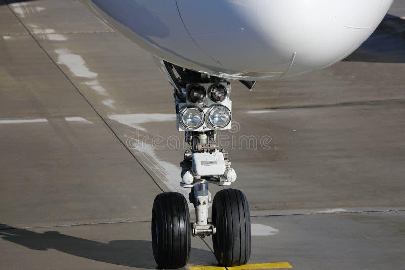 Roue de l'aéronef, vue rapprochée image libre de droits