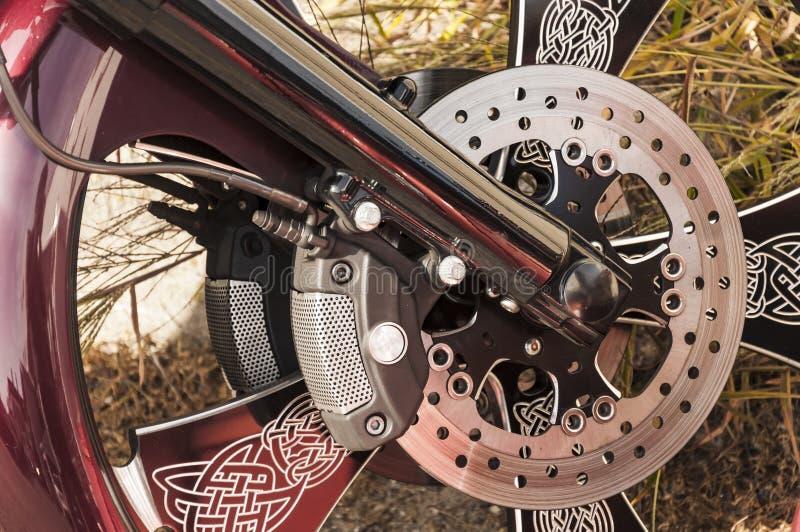 Roue de moto de Harley Davidson, ton de noir et de Pentecôte, monochrome photographie stock libre de droits
