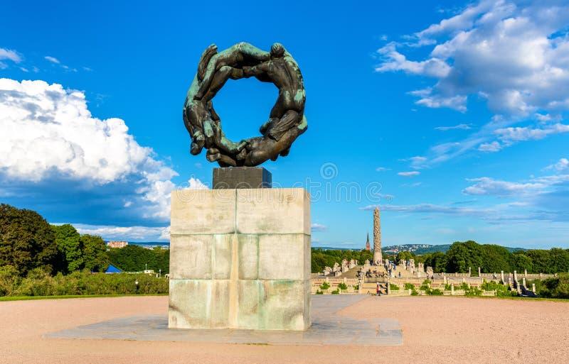 Download Roue De Sculpture En Vie En Parc De Frogner - Oslo Photo stock éditorial - Image du europe, dessin: 77151238