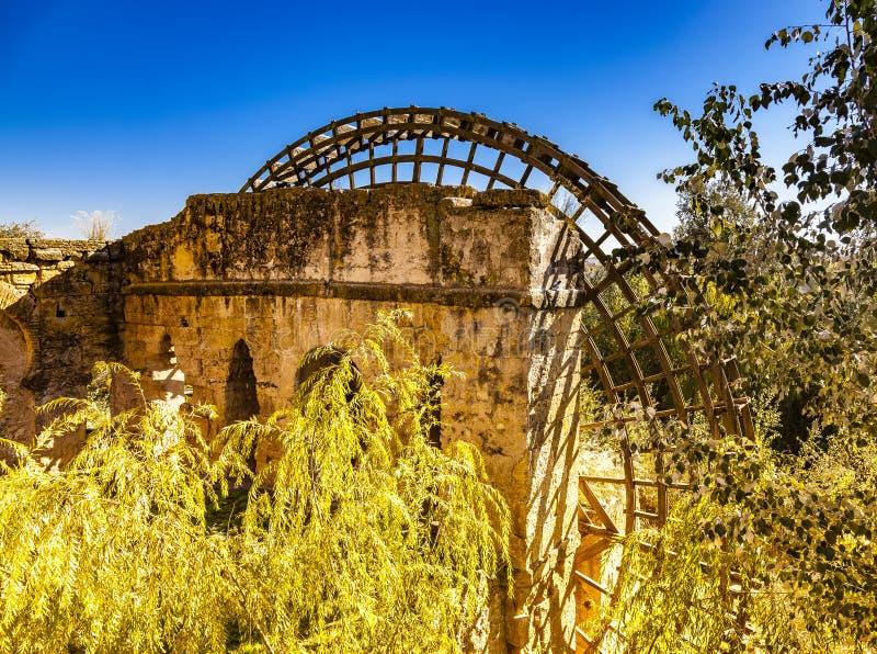 Roue hydraulique dans la ville de Cordoue, Andalousie, Espagne photographie stock libre de droits