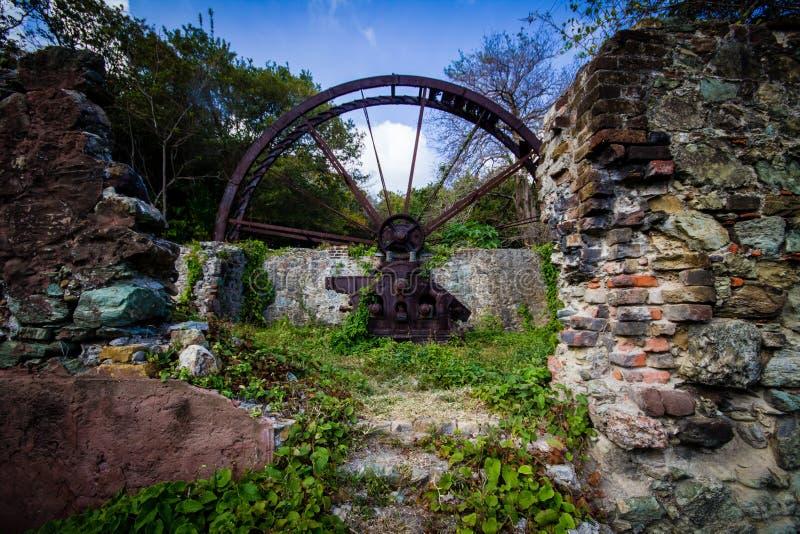 Roue hydraulique du Tobago photos stock
