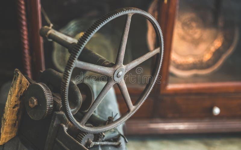 Roue nautique antique de rotation en métal image libre de droits
