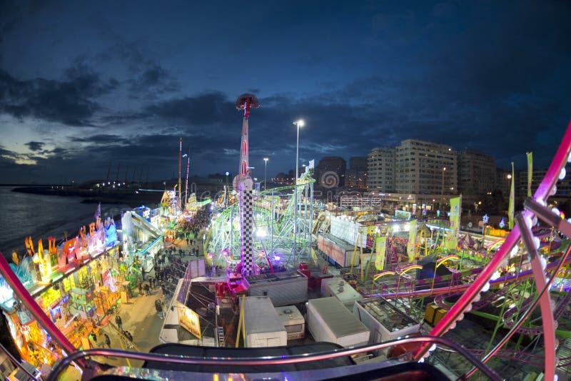 Roue panoramique de Luna Park de carnaval de foire d'amusement photo libre de droits