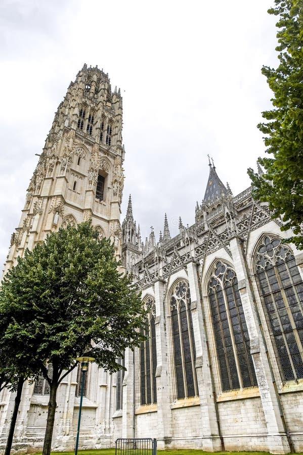 Download Rouen - domkyrkayttersida fotografering för bildbyråer. Bild av stads - 27276361